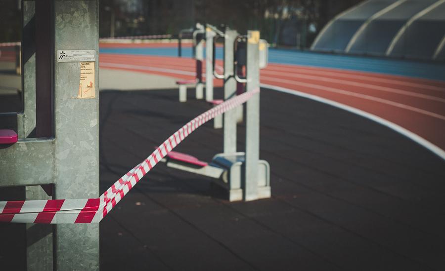 początki kwarantanny - zamknięta siłownia zewnętrzna
