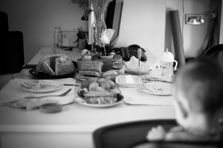 Stół wielkanocny, święta w kwarantannie.